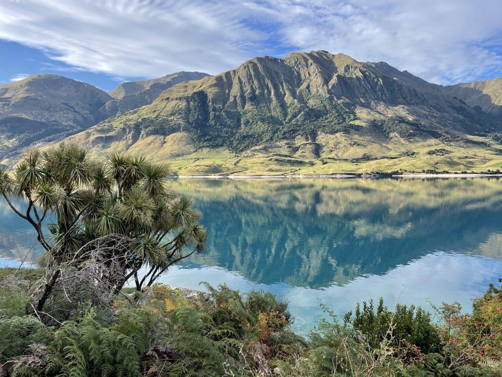 Lake Hawea reflection in the lake